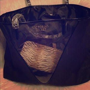 BRAND NEW VICTORIA SECRETS BAG WITH POUCH